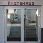 02_Eingang_Aerztehaus